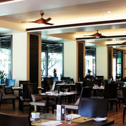 restaurant emerald cove hotel