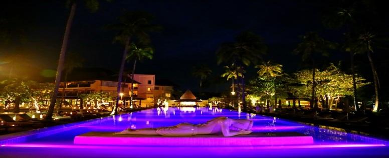 piscine de nuit emerald cove hotel