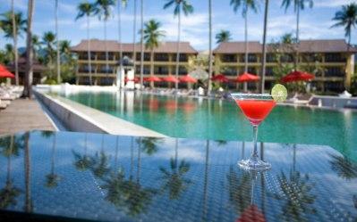 bar lounge emerald cove hotel