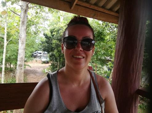 Moi dans la cabane perché attendant notre éléphant
