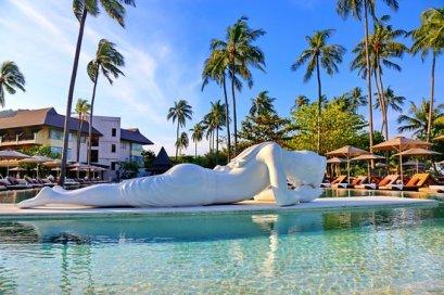 statue piscine emerald cove hotel