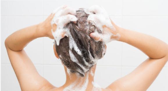 lavage de cheveux
